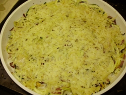 Creamy courgette, mushroom and red onion gratin with garlic & thyme
